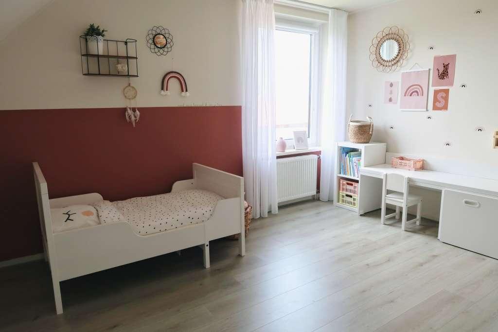 Nieuwe look voor de meisjeskamer slaapkamer kinderkamer zodat peuter boven kan spelen - Mama's Meisje blog