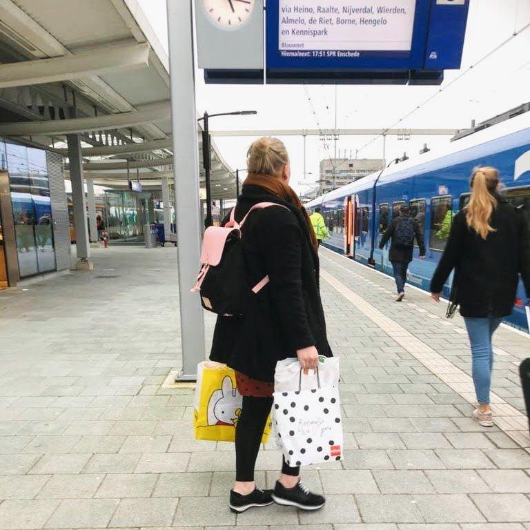 27 weken zwanger Kraampakket, Negenmaandenbeurs 2020 en hoofdpijn - Mama's Meisje blog