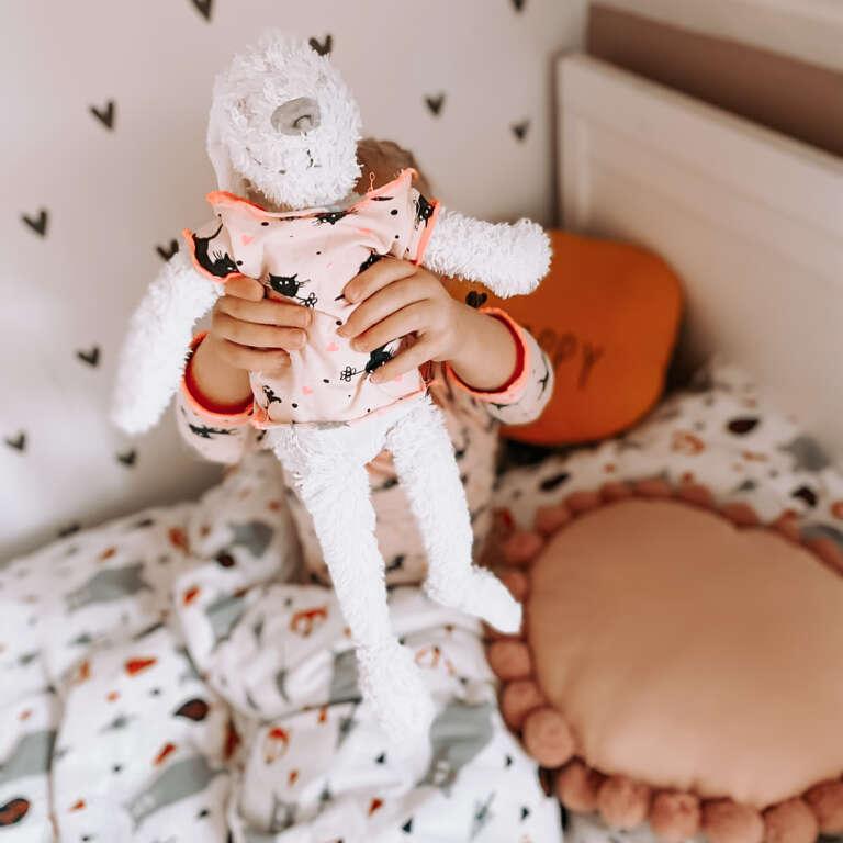 Twinning met pop matching pyjama's voor poppenmama's en -papa's! - Mama's Meisje blog