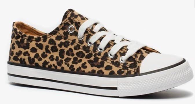 panterprint sneakers veterschoen all stars look a like scapino budget - Mama's Meisje blog