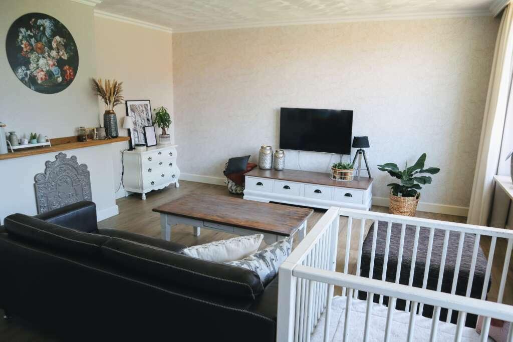 Behang woonkamer landelijk - Mama's Meisje blog