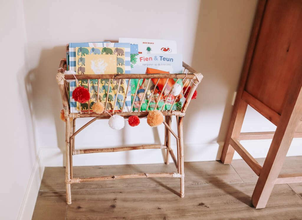 Rotan boekenrek Kwantum plantenstandaard boekenkast - Mama's Meisje blog