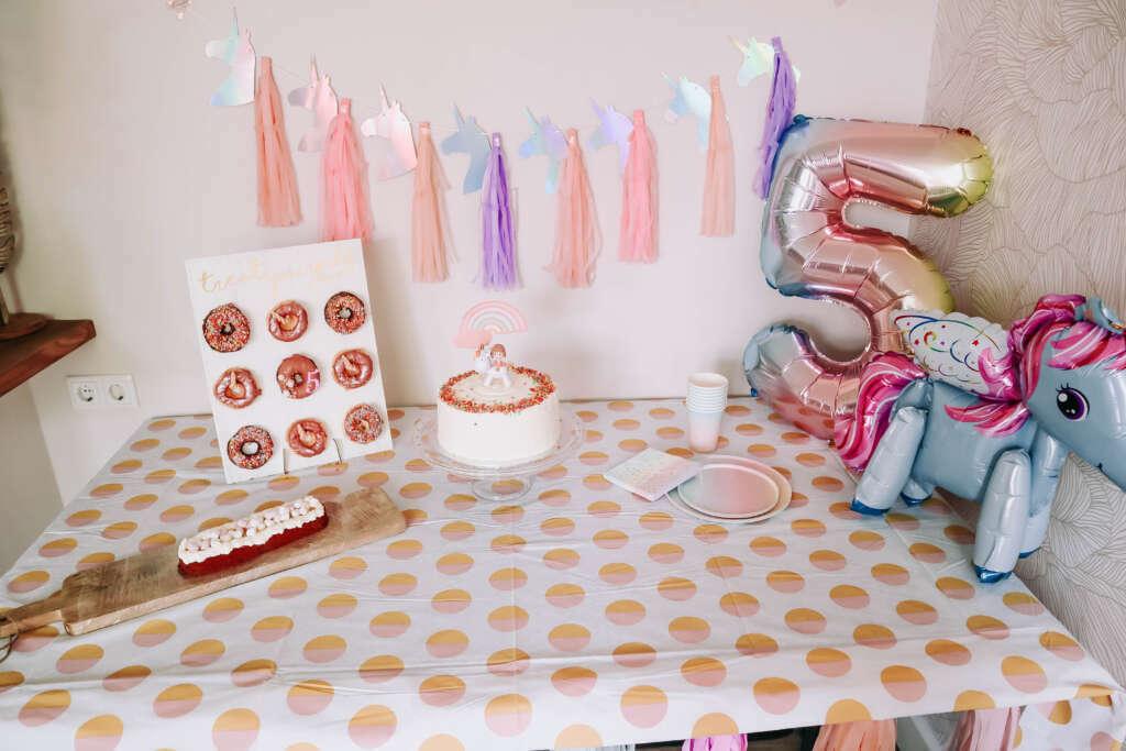 unicorn sweet table unicorn feestje - Mama's Meisje blog